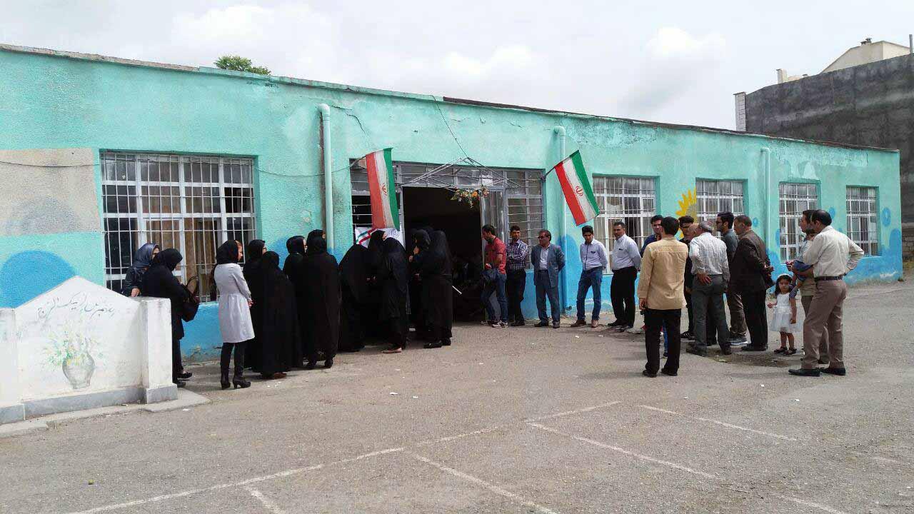 حضور گسترده مردم پارس آباد مغان در پای صندوق های اخذ رای