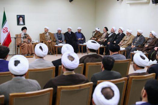 حوزه علمیه قم برای ابهام ها و مشکلات دینی راه حل داشته باشد