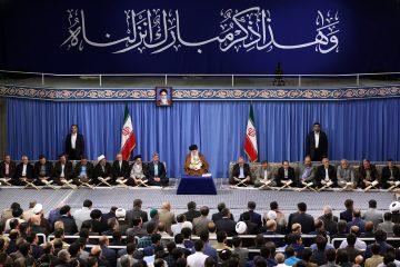 ملت ایران قدر انقلاب را دانست، به استکبار اعتماد نکرد و پیشرفت کرد