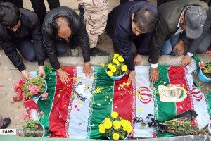 تشییع پیکر شهید مدافع حرم علی آقایی در اردبیل